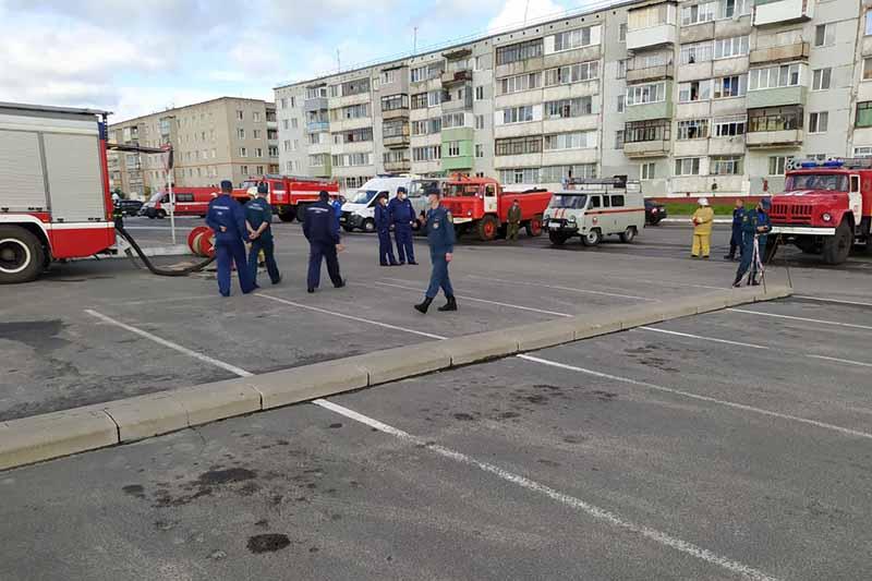 Огнеборцы ликвидировали пожар, условный, в одном из самых крупных клинцовских ТЦ