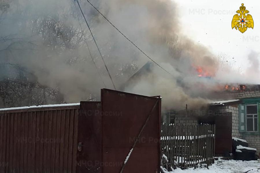 В Ардоне, Клинцовский район, в утреннем пожаре пострадал человек