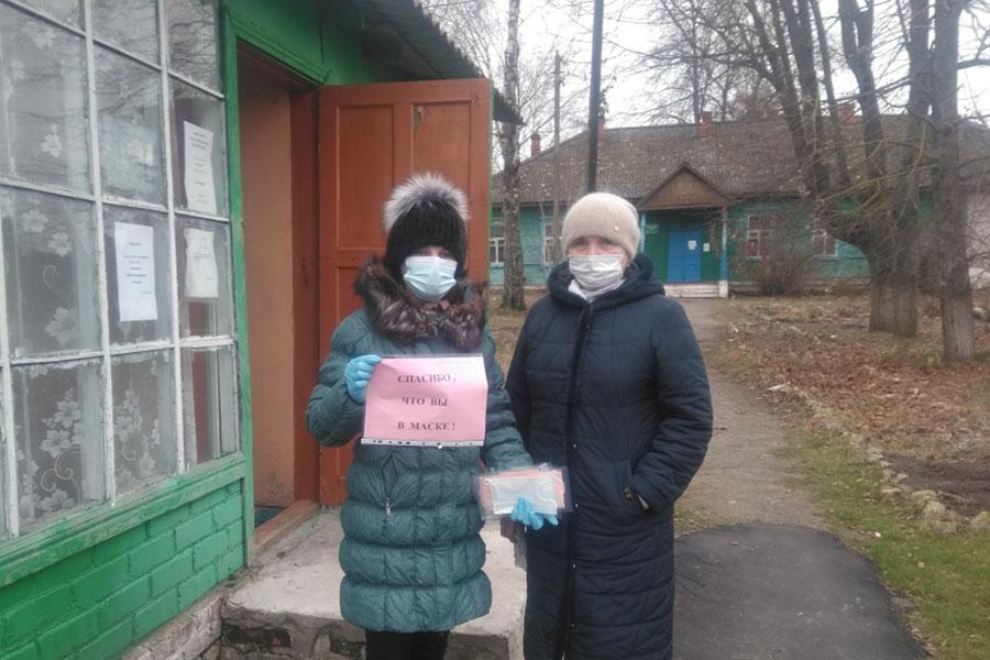 Волонтеры призвали жителей Клинцовского района Брянской области носить маски