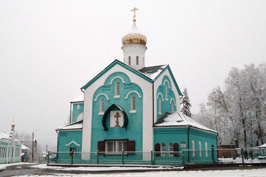 В Свято-Никольском храме, Клинцы Брянской области, прошло праздничное богослужение в честь престольного праздника
