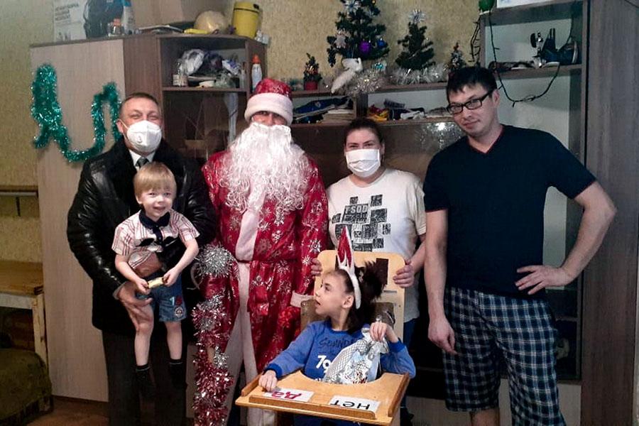 В Брянске добрыми поступками доказывают, что Дед Мороз все же существует