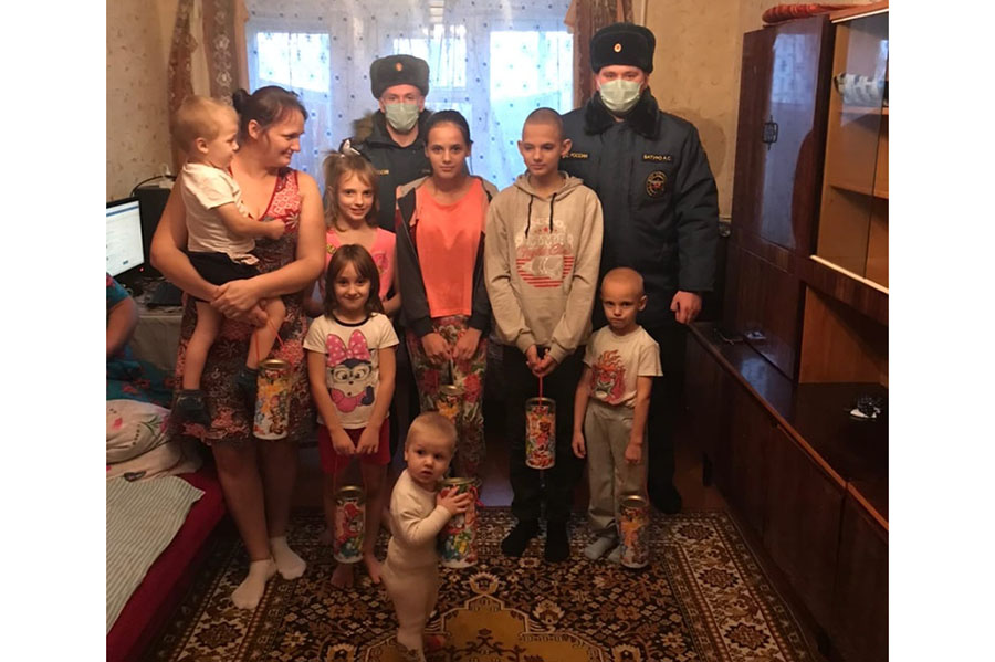 Сотрудники ОНДПР по городу Клинцы и Клинцовскому району присоединились к акции «Добро без границ»