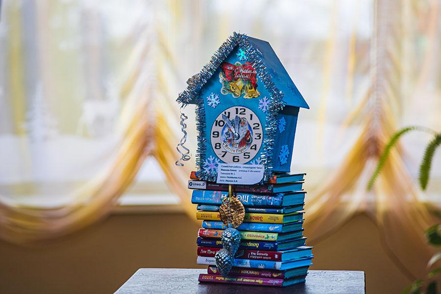 В детской библиотеке в Клинцах Брянской области проходит выставка снеговиков