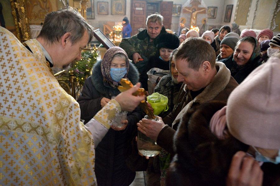 В Клинцах Брянской области епископ Владимир провел чин Великого освящения воды