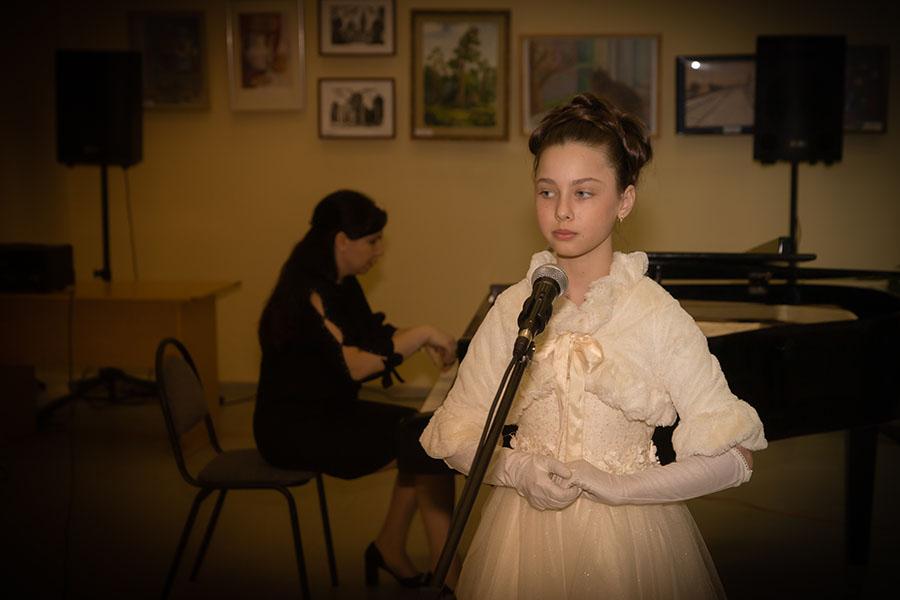 В Клинцах в честь дня рождения великой оперной певицы Анастасии Вяльцевой Детская школа искусств им. Е.М.Беляева провели концерт
