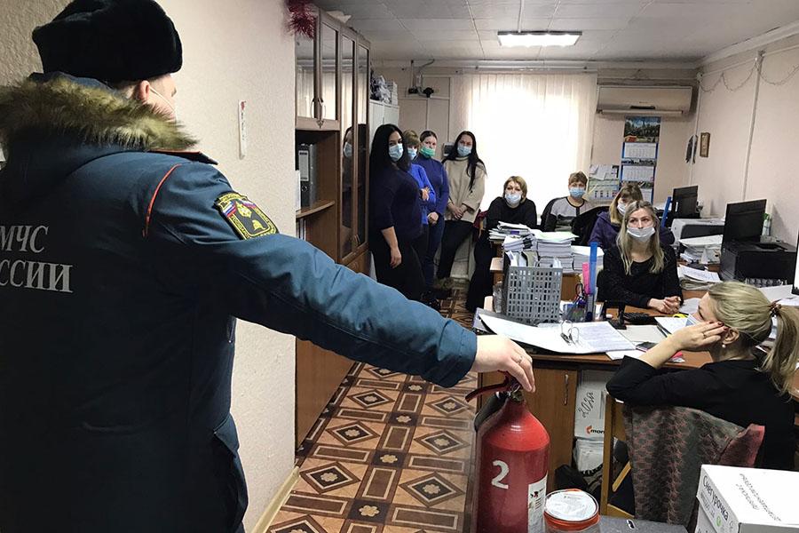 В Клинцах и Клинцовском районе инспекторы МЧС принимают меры против негативных последствий весеннего половодья