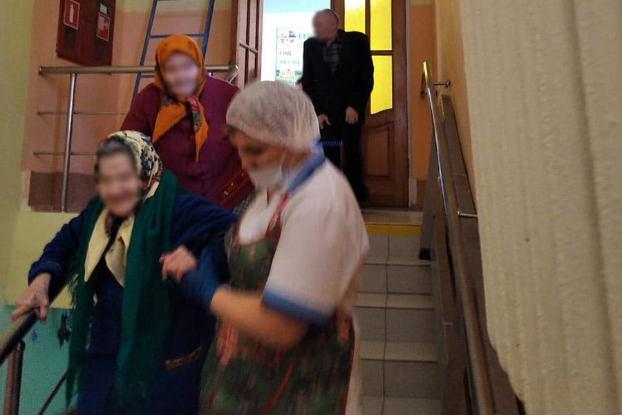 В доме-интернате для пожилых и инвалидов Клинцовского района прошла учебная эвакуация на случай пожара
