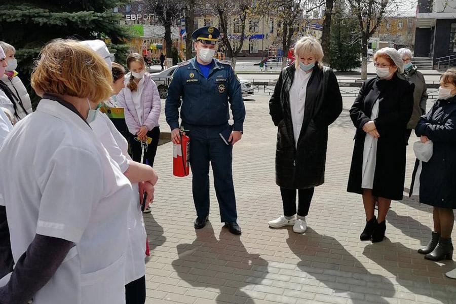 В детской поликлинике в Клинцах сегодня, 29 апреля, сработала пожарная сигнализация