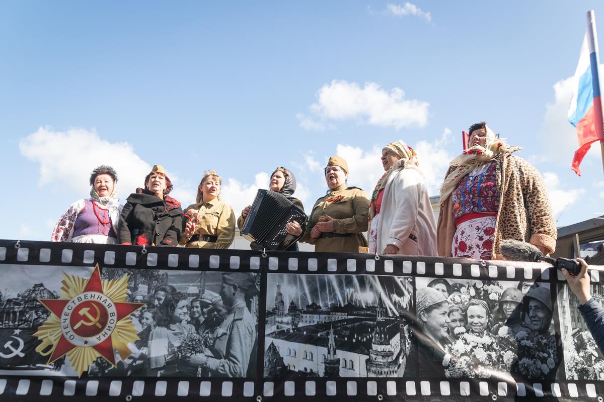 День Великой Победы в Клинцах'2021. Поздравление ветерана Великой Отечественной войны. Улица Мира