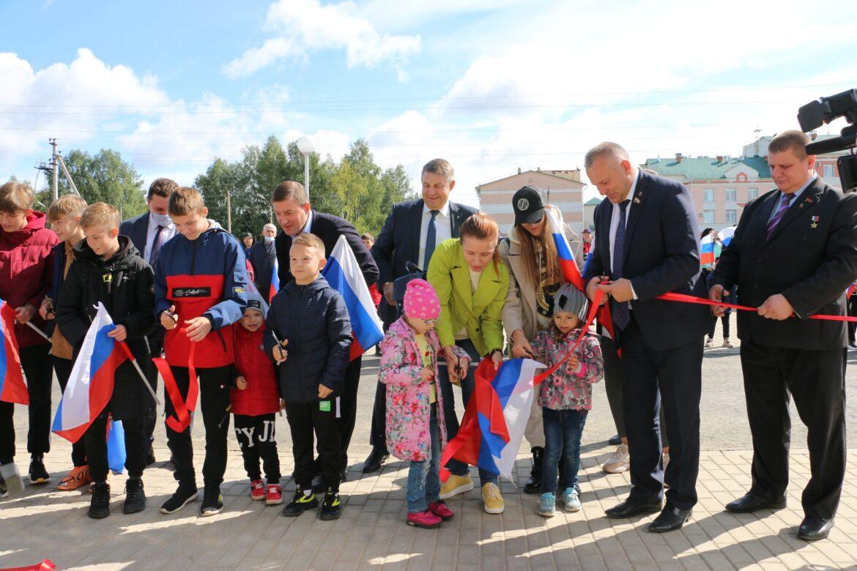 В Почепе состоялось открытие Ледового дворца, построенного за счет региональной казны