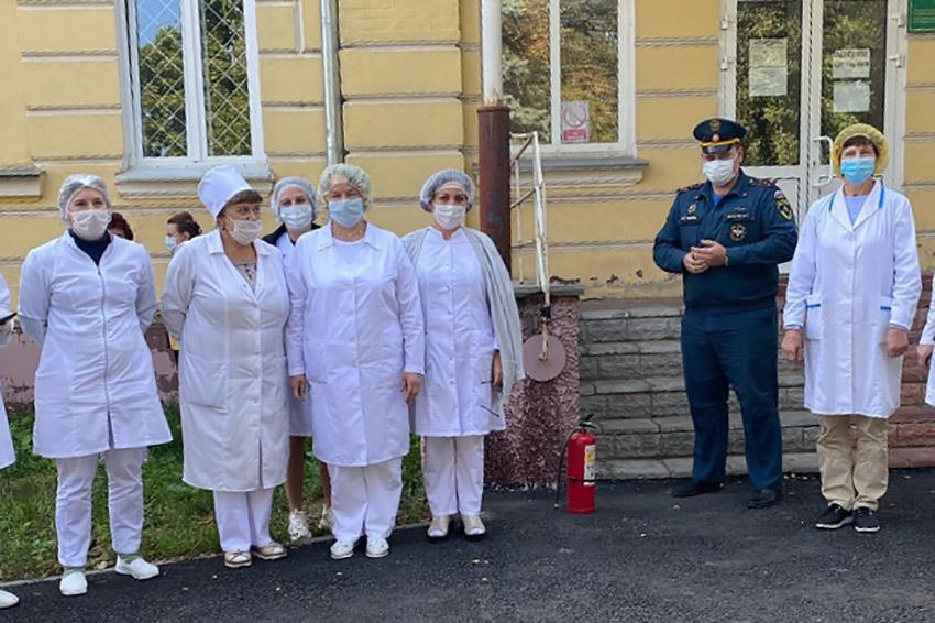 В консультативно–диагностическом центре Клинцовской центральной горбольницы проведена практическая тренировка по эвакуации на случай возникновения пожара