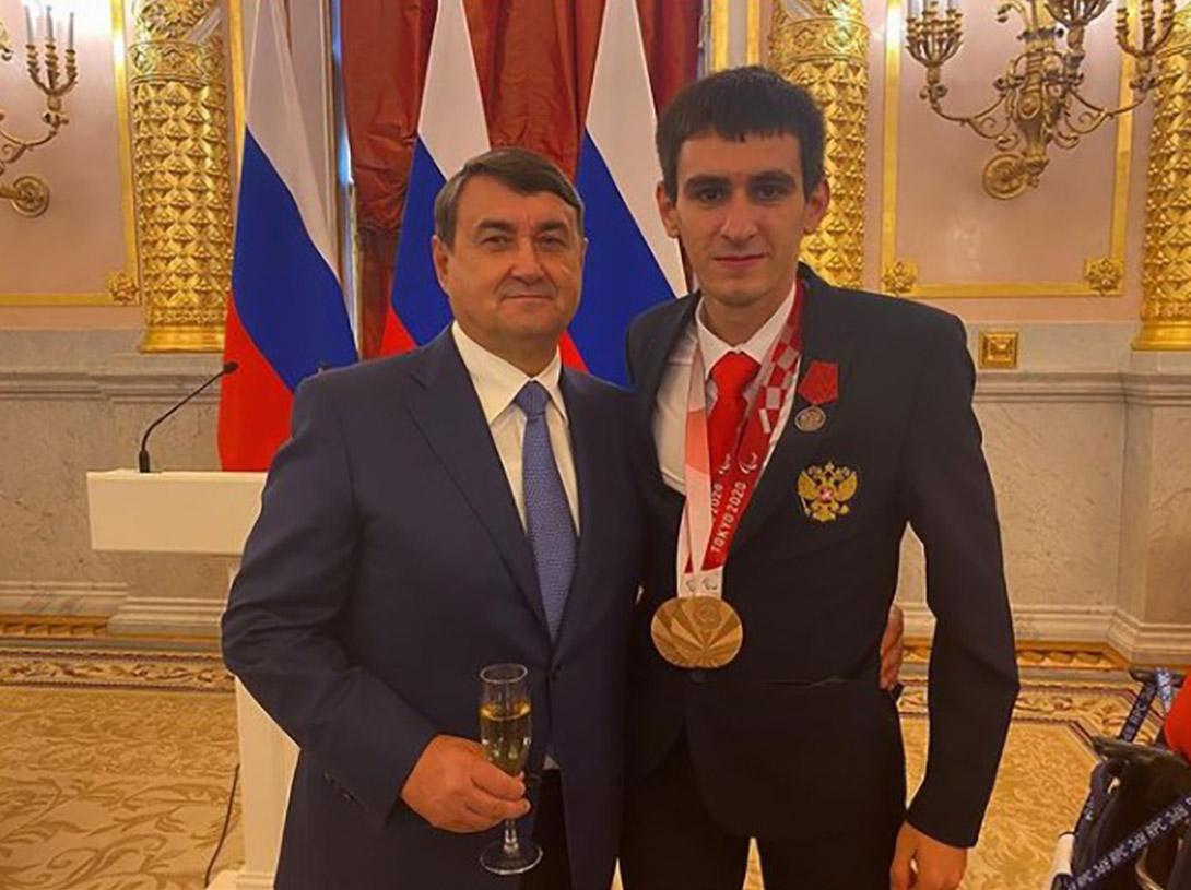 """Брянского паралимпийца наградили Медалью ордена """"За заслуги перед Отечеством"""" II степени"""