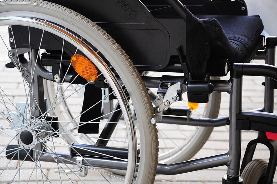 Инвалиды получили право на электронный сертификат