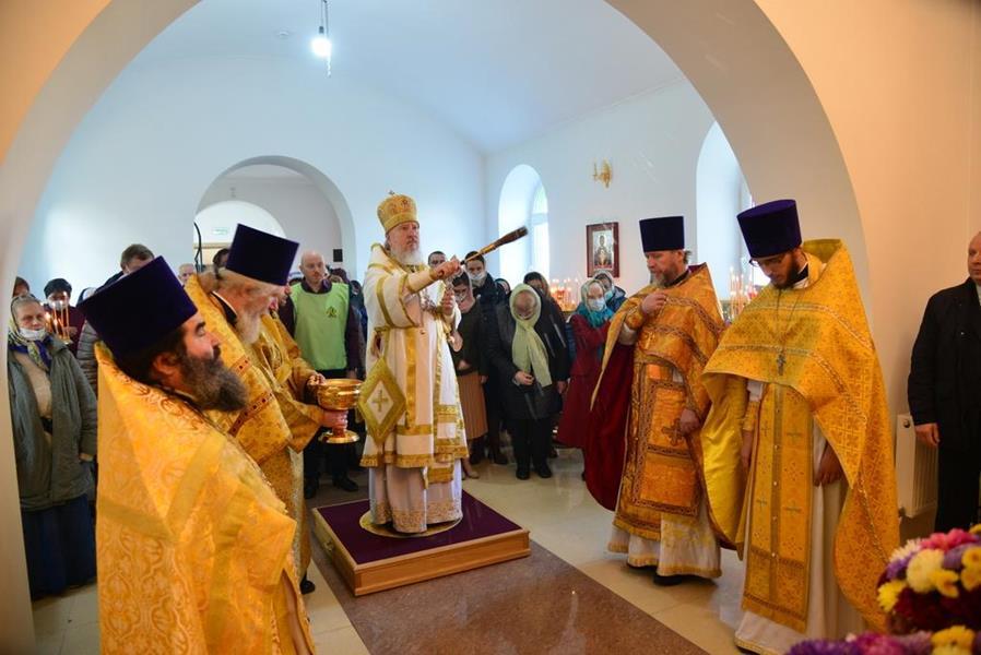 В Брянском районе Митрополит Александр совершил освящение храма во имя преподобного благоверного князя Олега Брянского