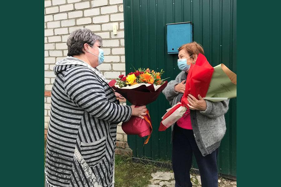 В Клинцах поздравили с Днем рождения Нину Стефановну Абдуллаеву